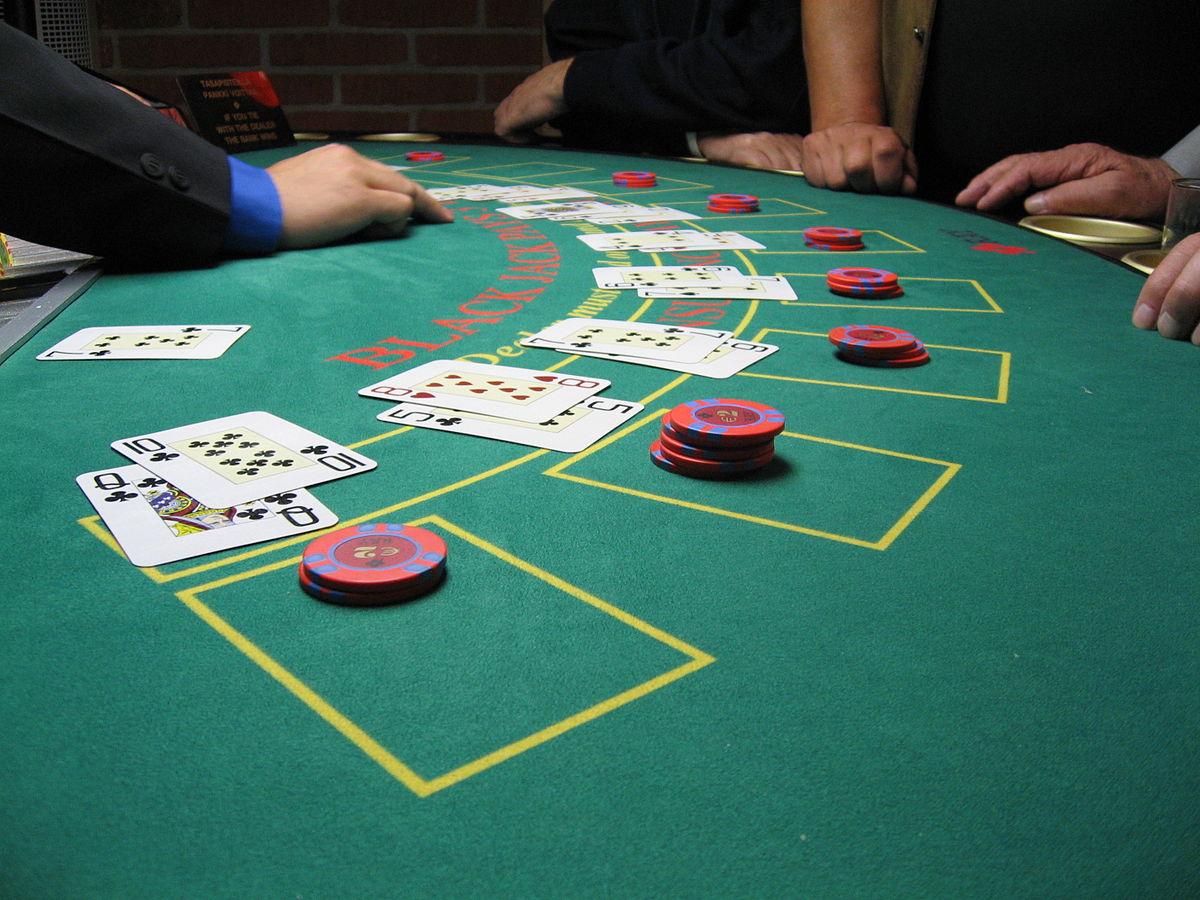 Be described as a Blackjack Pro – Simple Blackjack Strategy