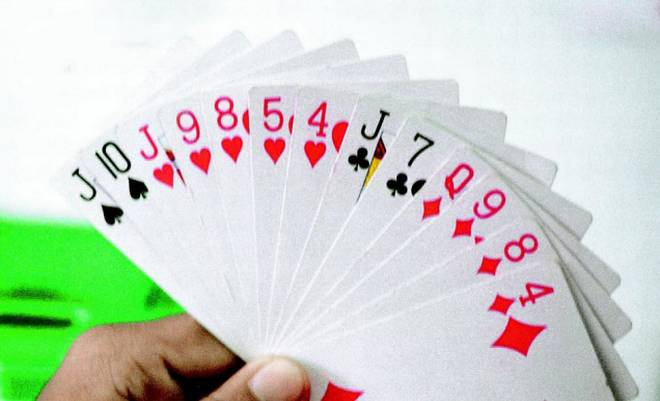 Master the Skill of Passing (Dropping) Your Hand on Time in Rummy